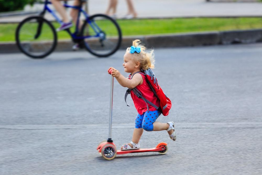 Những câu hỏi thường gặp về xe trượt Scooter cho bé 7