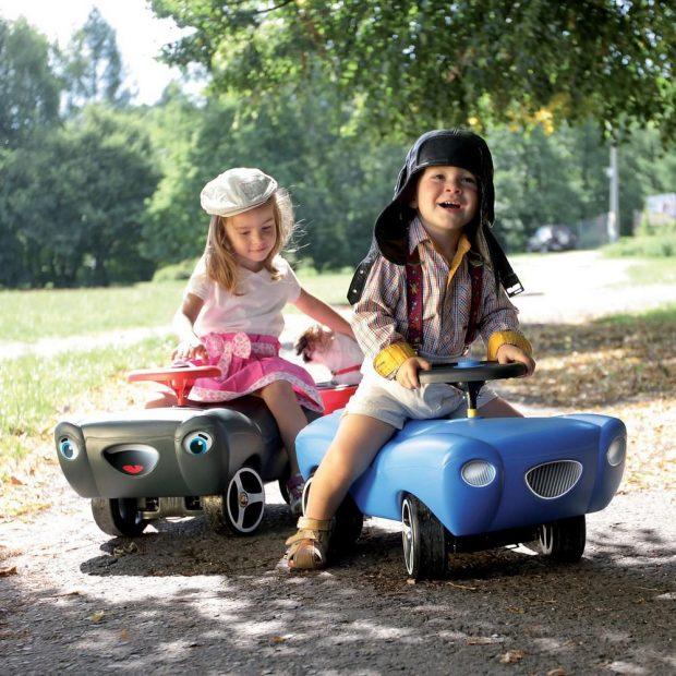 lựa chọn xe chòi chân cho bé