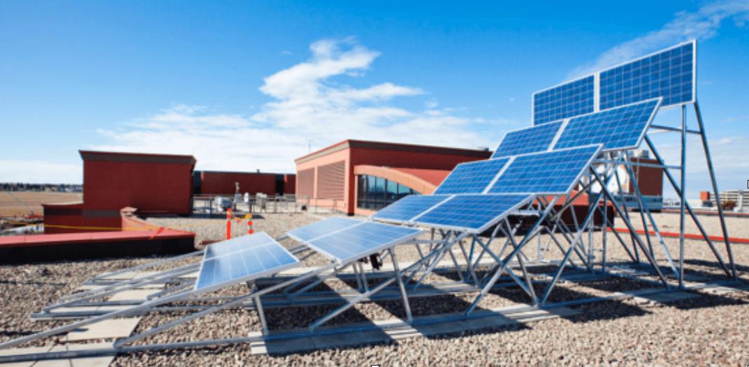 Các tấm pin mặt trời tạo ra điện như thế nào?