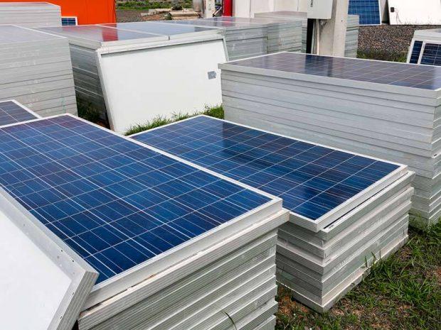 câu hỏi thường gặp về tấm năng lượng mặt trời