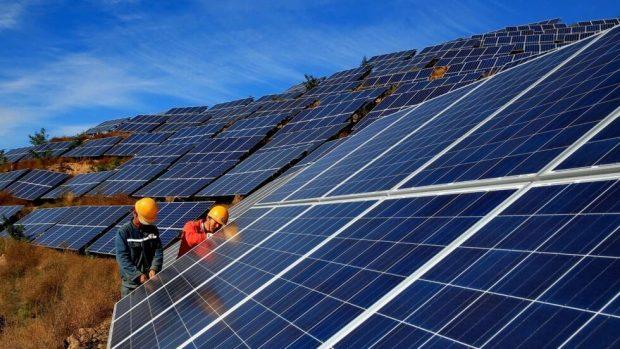 Lắp hệ thống năng lượng mặt trời