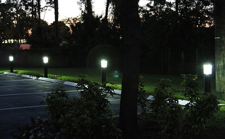 đèn trang trí sân vườn