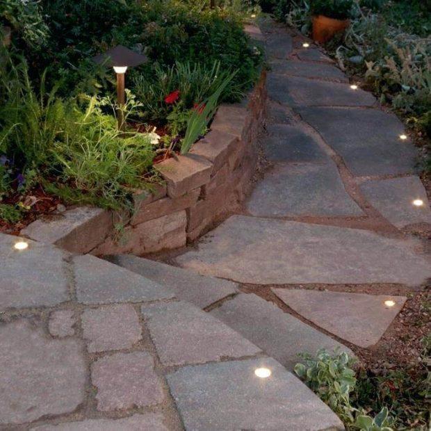 đèn năng lượng mặt trời sân vườn chống nước
