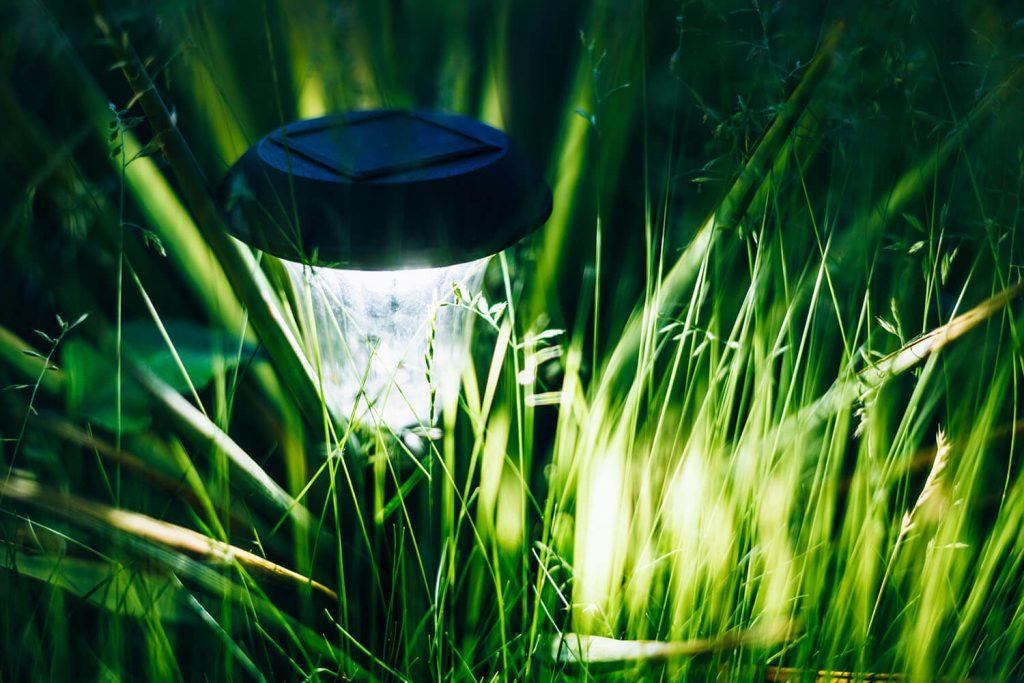 Đèn chiếu sáng bằng năng lượng mặt trời