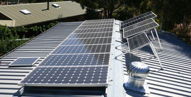 Hướng lắp đặt tấm pin năng lượng mặt trời