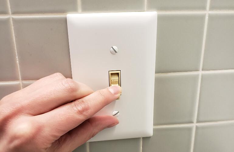 Tắt thiết bị điện khi không sử dụng