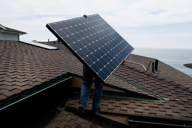 Làm thế nào tấm pin mặt trời tạo ra điện vào mùa mưa