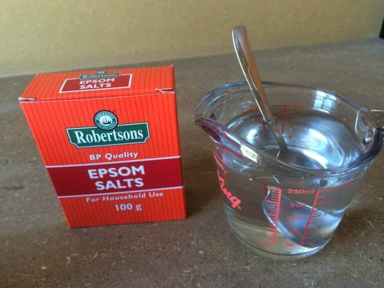 hỗn hợp muối axit nước cất