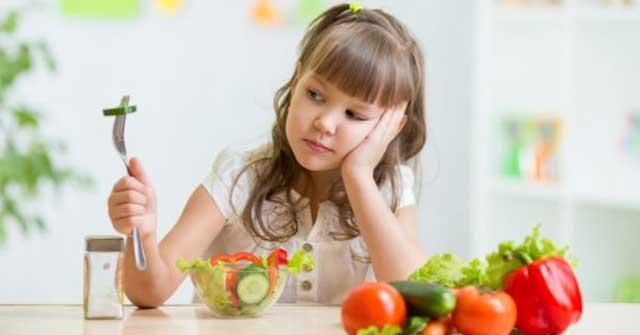 Đồ ăn không phù hợp với trẻ